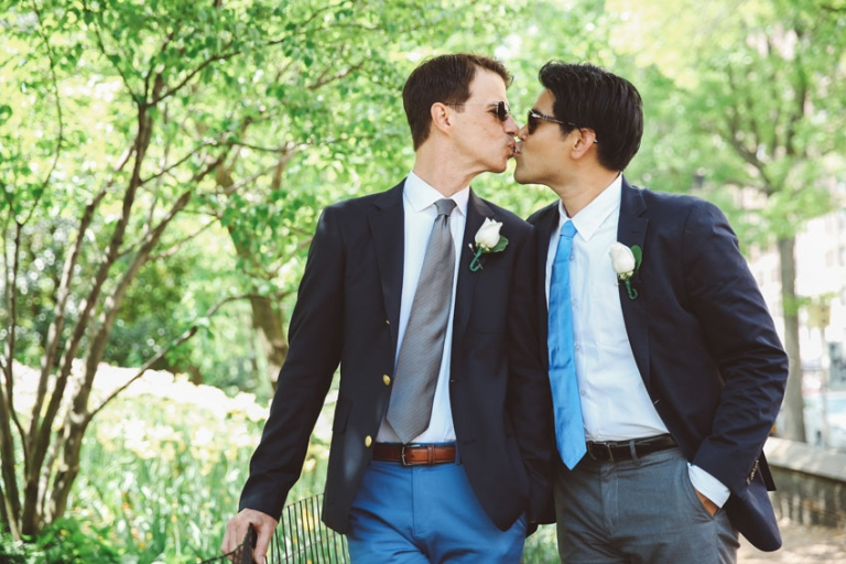 Kiss in Central Park Gay wedding