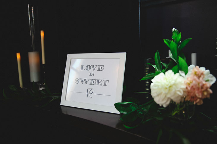 Picture that says love is sweet - Wedding inspiration, wedding photography